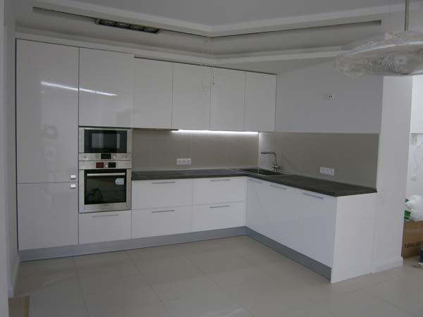 Кухня белый глянец фото
